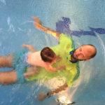 Da, bebe rone i plivaju